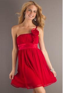 robe de soirée rouge courte en mousseline asymetrique