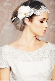 voile de mariée en dentelle et plume en ivoire réf v243