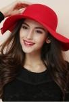Chapeau capeline femme rouge hiver