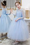 Robe de cortège enfant bleu pastel en dentelle et tulle