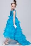 Robe de cérémonie fille asymétrique bleu turquoise bustier scintillant