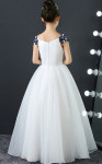 robe enfant blanche longue avec de la guipure bleu