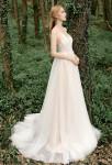 Robe de mariée légère en tulle à pois