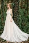 Robe de mariée fluide à deux bretelles