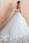 Robe de mariée princesse avec traine finition dentelle