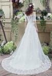 Robe de mariée épaules tombantes manches courtes