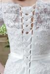 Robe de mariée dentelle épaules dénudées laçage