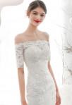 robe de mariée fourreau manches courtes épaules détails