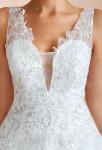 robe de mariée princesse décolleté vertigineux en dentelle