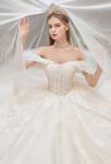 Robe de mariée col bardot princesse