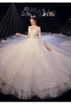 robe de mariée tulles brillant avec de la dentelle parsemée