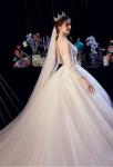 robe de mariée bustier est en transparence