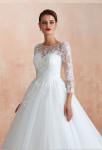 Robe de mariée manches mi longues en dentelle