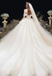 Robe de mariée princesse très longue traine