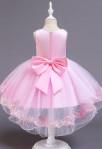 Robe de cortège enfant rose pastel asymétrique