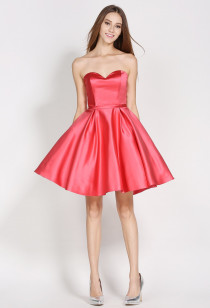 Petite robe courte bustier coupe évasée  - Réf 1628 sur demande