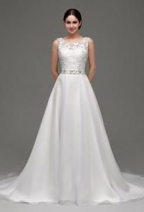 Robe de mariée glamour avec dos decolleté en V réf SQ236 - sur demande