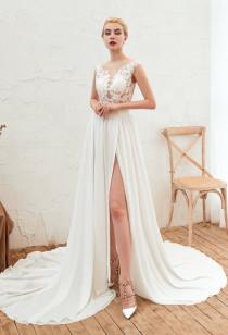 destockage-Robe de mariée fluide joli dos Réf SQ347